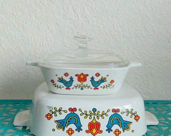 Vintage set of 2 Corning ware Country Festival baking dishes | One with lid