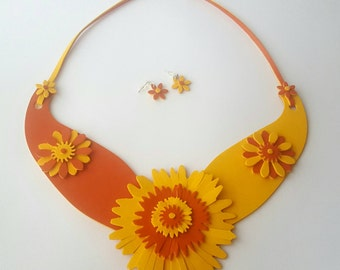 Necklace and earrings yellow-orange leather pumps