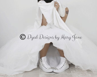 Swarovski crystal shoe,  converse running shoes, converse all star shoe, Converse high top, white wedding shoe, prom shoe, Quinceañera shoe