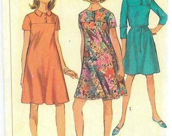 1960's Vintage Sewing Pattern - Junior/Misses Dress Simplicity Patterns #6967 HV