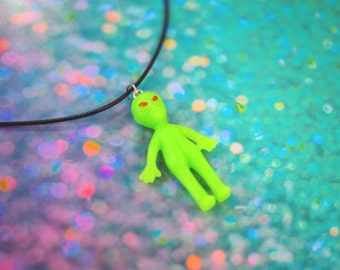 Glow in the Dark Alien Necklace / Alien Choker, Pastel Goth Clothing, Alien Jewelry, Gifts for Her, Glow in the Dark Necklace, Vintage Loser