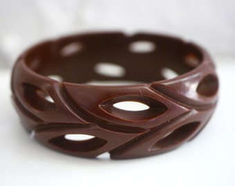 Bakelite Carved Pierced Chocolate Brown Bangle