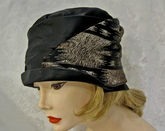 Vintage 20s Cloche Hat / Black Silk Satin / Gold Lame