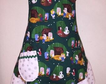 Women's Large Apron Charlie Brown Christmas