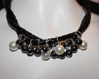 Black Leather Jewelry, Black Leather Necklace, Black Leather Jewelry with Pearls, Black Leather Necklace with Pearls, Necklace Black Leather