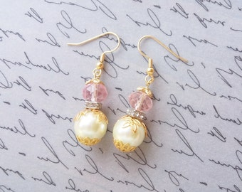 Pearl Dangle Earrings, Ivory Pink Beaded Pearl Earrings, Vintage Style Jewelry, Gold Plated Earrings, Beaded Jewelry, Handmade Jewelry