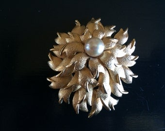 Vintage Gold Tone Flower Brooch Pearl Estate Costume Pin Jewelry either Boucher or D'Orlan numbered 1466 - Mother's Day Gift