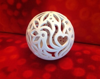 Art Deco-white ball of light from clay