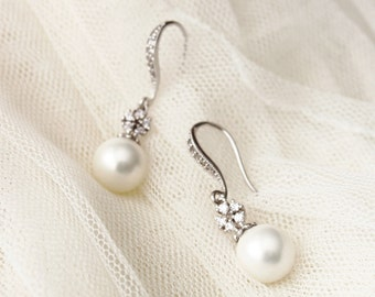 Pearl Wedding Jewelry Bridesmaid Earrings White Pearl Earrings Maid Of Honor Gift Bridesmaid Gift Bridesmaid Jewelry Wedding Gift