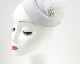White Silver Feather Pearl Pillbox Hat Fascinator Headpiece 1920s Vtg Ascot B69