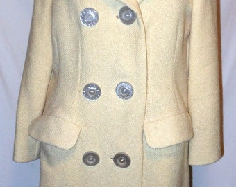 Vintage 1960's Boho Cream Wool Coat. Women's Size Medium. Fully Lined. Big Buttons. FaBuLoUs! Free Shipping!
