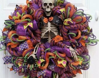 Halloween Door Wreath - Halloween Wreath - Skeleton Wreath - Halloween Skeleton Wreath - Halloween Mesh Wreath - Whimsical Halloween Wreath