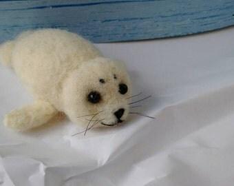 Hetty the harp seal pup (needle felted)