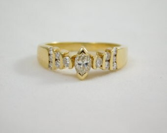 Ladies 18kt Yellow Gold Diamond Ring