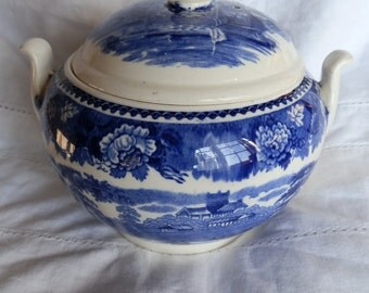 Vintage Wedgwood of Etruria and Barlaston Landscape Pattern Mismatched Sugar Bowl and Lid 1940's
