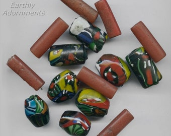 Group of 14 vintage powder glass and millefiore trade beads. b19-0584(e)