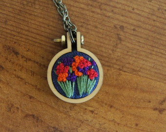 Flower Necklace, Trix Colored Flowers