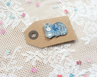 Tabby cat pin [grey + blue bow] [hand drawn]