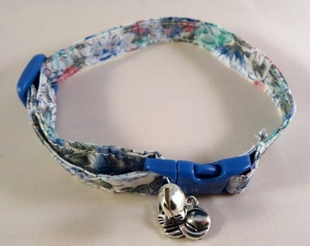 Cat Collar optional bow // Blue vintage floral