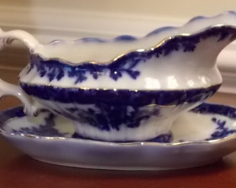 Gravy Boat and Underplate