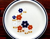 Japanese Flowers, Pottery, Dinner Plate, Blue, Rust, White Flowers, Brown Leaves, Stoneware, Blue Buttons, Japan, 11 inch plate