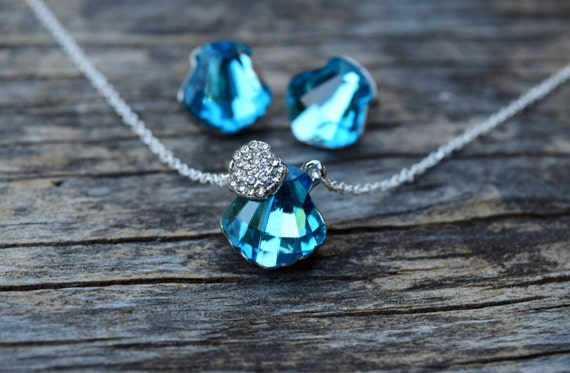 Blue Seashell Necklace, Mermaid Necklace and Earrings, Ocean Wedding Bridesmaid Set, Blue Nautical Beach Shell, Formal Blue Mermaid Necklace