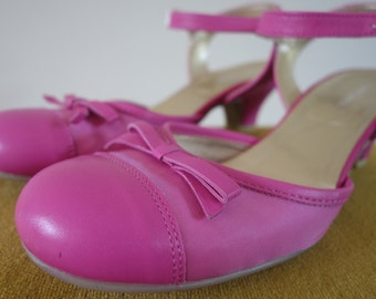 Pink Vintage Summer Party Shoes - by Linea Loresi