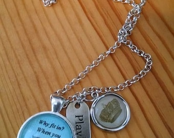 Wear your quotes on a necklace.