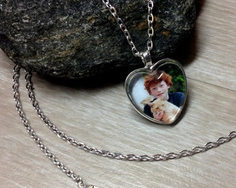 Custom Photo Necklace - Traditional Silver Heart - Keychain -  Picture Necklace - Personalized Necklace - Photo Jewelry - Gift - Keepsake