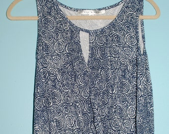 Patterned Navy top.  size: xs / s