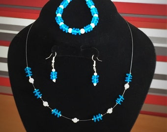 Blue and white necklace, earrings and bracelet beaded jewellery 3 piece set
