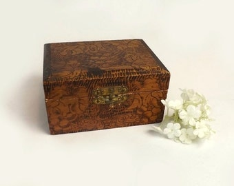 Small Pyrography Trinket Box, Vintage Brown Wooden Dresser Box, Grape & Leaf Design, Autumn Home Decor