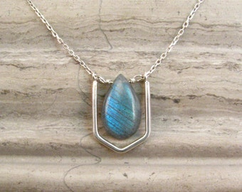 Labradorite Necklace with Sterling Silver - Short layer Necklace - Modern Tribal Labradorite Pendant Necklace Gift for Her