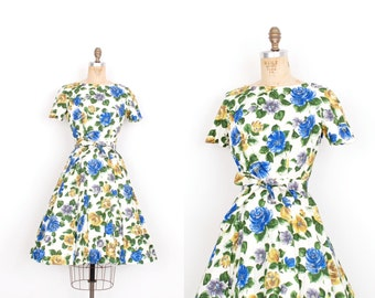 Vintage 1950s Dress / 50s Floral Print Cotton Dress / White Blue and Green (small S)
