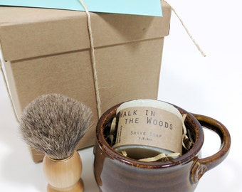 Straight Razor Shaving Set, Shaving Kit Includes Ceramic Mug, Soap and Brush