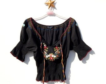 S.A.L.E......BETSEY JOHNSON New Mexican Embroidered Peasant BOHEMIAN Folk Top 6