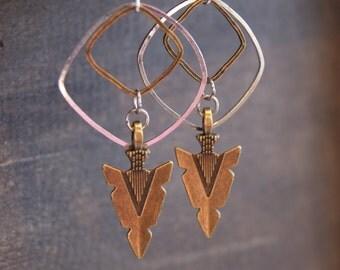 Geometric Arrowhead Earrings Arrow Earrings Arrow Jewelry Hammered Arrow Earrings Hammered Earring Hammered Metal Jewelry Arrowhead Jewelry