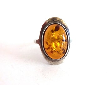 Vintage Sterling Silver and Amber Oval Cabochon Ring