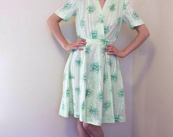 1950s Dress / Novelty Print Bow & Floral Dress / Spring Summer Mint Green Cotton Dress / Vintage 40s 50s