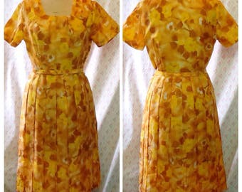 Classic Vintage 1950's mustard and yellow polyester wash'n'wear pleated day dress