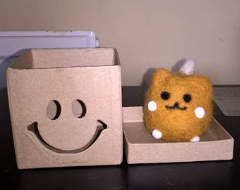Needle felt kitty and box - Happiness is a box of my own!