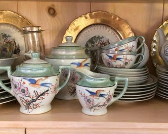 Tea set with cups/and saucers