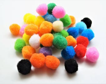 Set of 50 multicolored pompoms, fluffy, diam. 19 mm