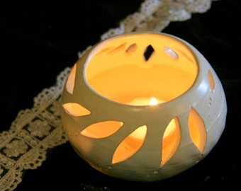 Ceramic candle holder, candle latern , Wedding candle holder. White home decor ceramic Tea light Delight, gift for her, house warming gift