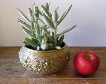 Heavy vintage brass planter/cachepot
