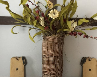 Wall Basket with Floral Spray