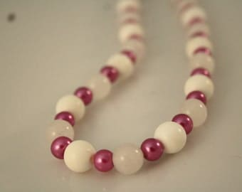 Rock crystal chain meets pink