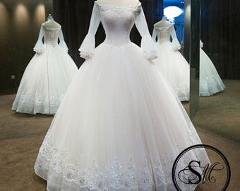 Limited Edition Design: Luxurious Vintage 3/4 Sleeves Off Shoulders Lace Up Crystals Embroidery Wedding Bridal Dress Gown