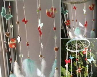 Mobile baby with foxes and butterfly dream catcher