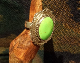 Native American sterling silver green Parrot Wing ring